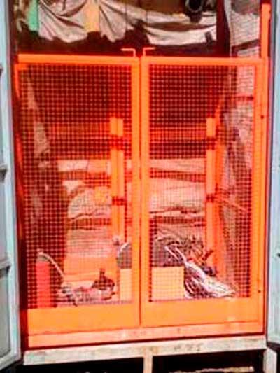 Подъемник грузовой приставной